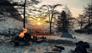 Setting up winter campsite thumb