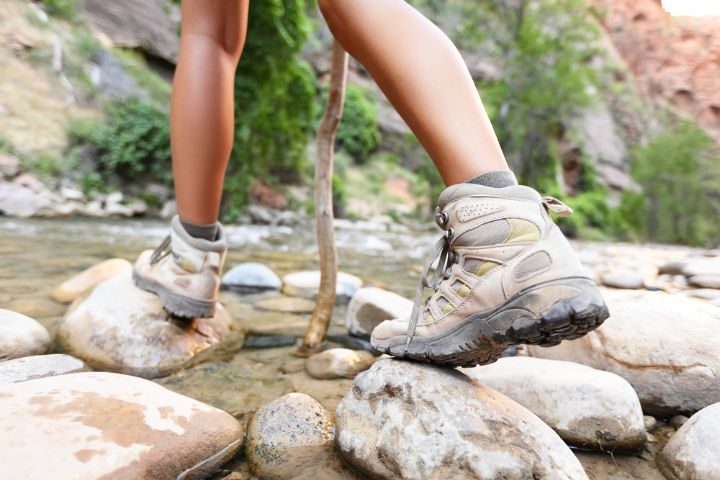 Can You Hike In Snow Boots?