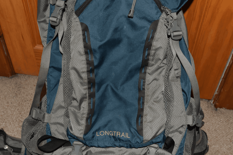 Backpack with lashing slots but no shock cord