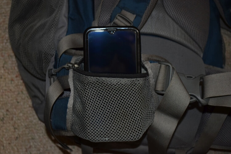 Carry cellphone hiking in hip pocket